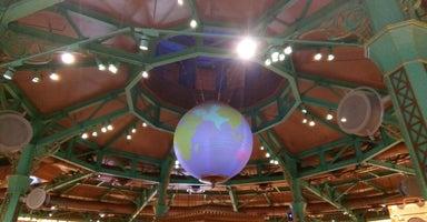 World of Disney Store (迪士尼世界商店)