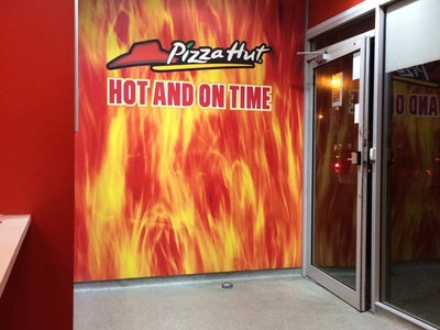 Pizza Hut Delivery In Breightmet England United Kingdom