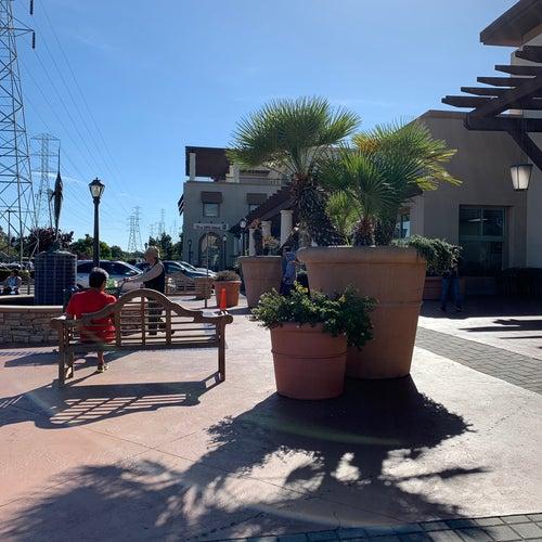 Marlin Cove Shopping Center