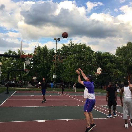 Wicker Park Basketball Courts