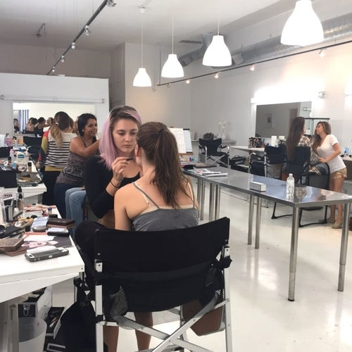 Los Angeles Make-Up School (LAMUS)