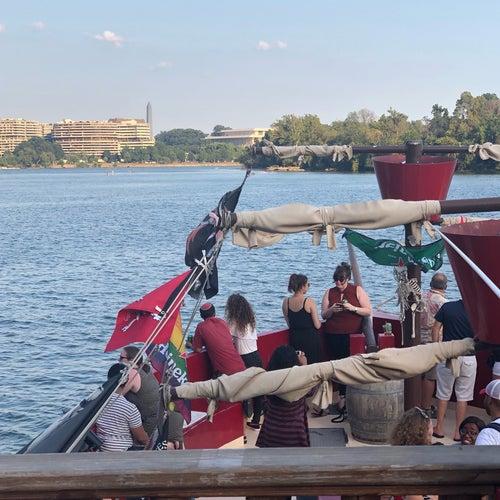 Boomerang Pirate Ship