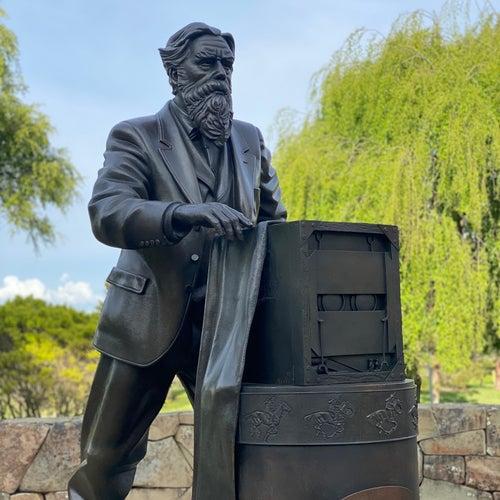 Eadweard James Muybridge Statue