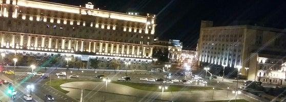 35989e5bca39 В пятницу вечером лучше не пытаться - места не будет даже стоя))) отличный  вид с балкона.