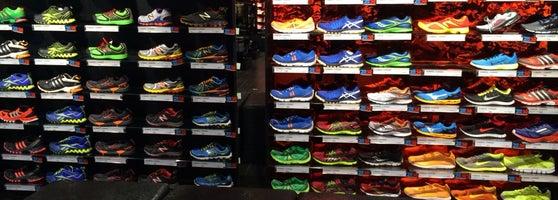 tienda de zapatos de futbol mizuno santiago tianguistenco