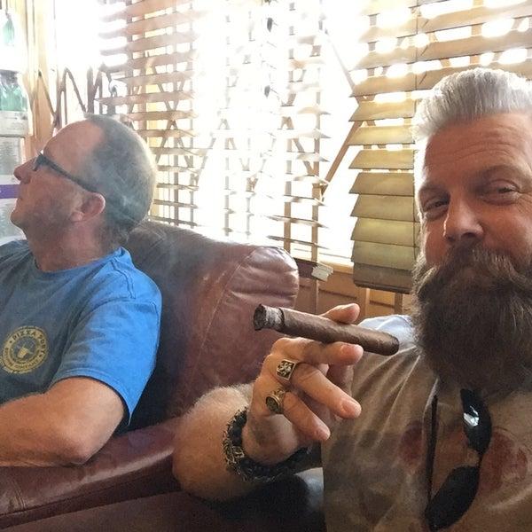 Old Oaks Cigar & Wine Co.