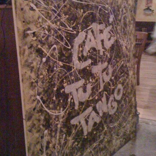 Foto diambil di Café Tu Tu Tango oleh Doni K. pada 5/4/2012