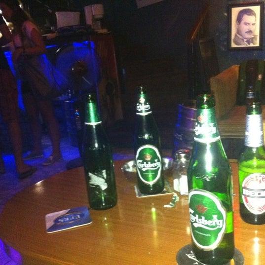 Foto tirada no(a) Deep Blue Bar por Serkan U. em 8/24/2012