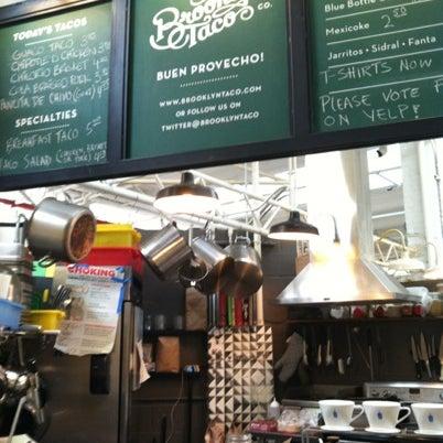 Снимок сделан в Brooklyn Taco Company пользователем jeremy s. 7/29/2012