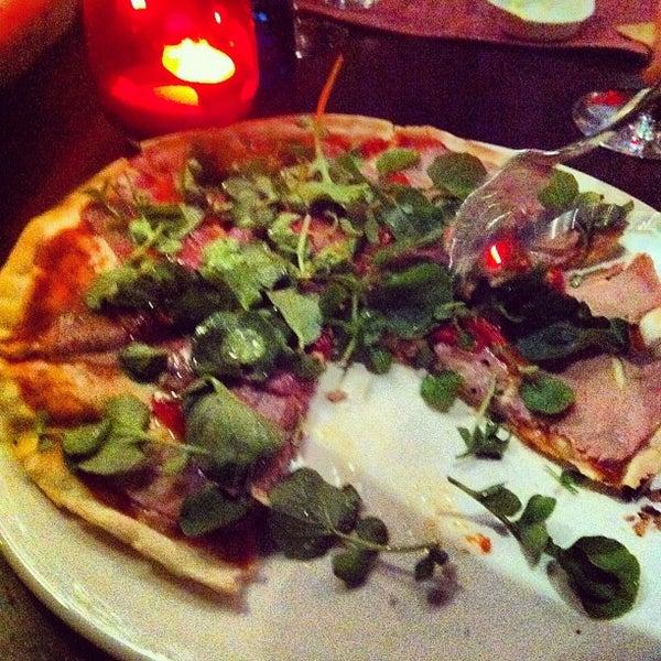 Снимок сделан в Restaurante Lakasa пользователем Jaime V. 5/26/2012