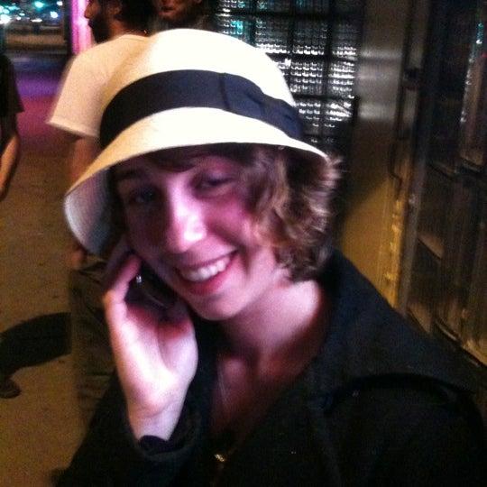 Das Foto wurde bei Lion's Lair von Cody C. am 5/21/2012 aufgenommen