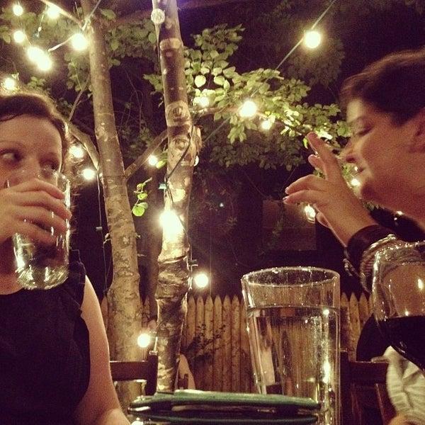 Foto scattata a More Thai da Christine D. il 8/12/2012
