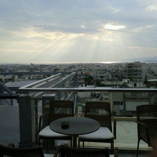 รูปภาพถ่ายที่ Athens Metro Mall โดย Natasa D. เมื่อ 3/7/2012