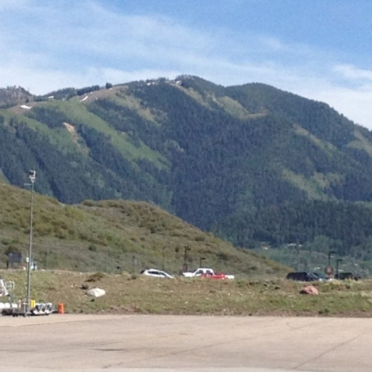 Photo prise au Aspen/Pitkin County Airport (ASE) par Pam D. le5/22/2012