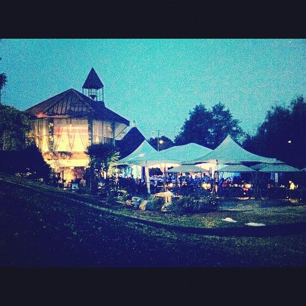 Photo prise au Park Tavern par Amanda R. le5/4/2012