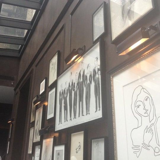 9/8/2012에 Angela S.님이 Crown에서 찍은 사진