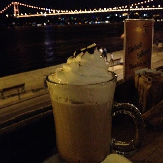 Foto tomada en Taş Kahve Cafe & Restaurant por Aslı el 8/18/2012