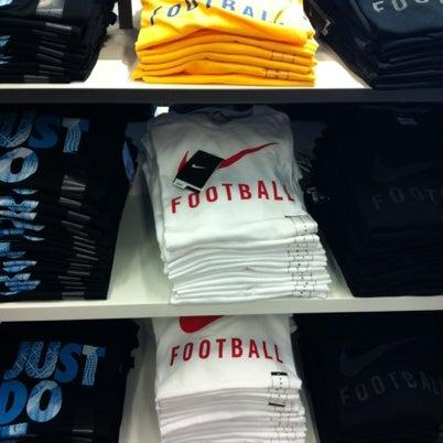 Práctico sobresalir Manifestación  Fotos en Nike Factory Las Terrazas - Tienda de artículos deportivos