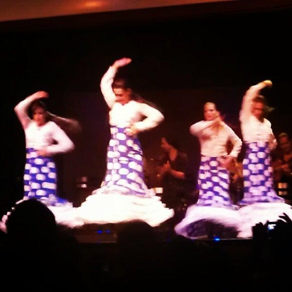Снимок сделан в Palacio del Flamenco пользователем Ersin Ö. 8/20/2012