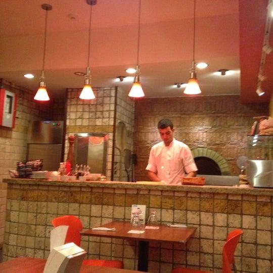 Foto tomada en Da Noi Pizzeria Ristorante por Luis C. el 8/28/2012
