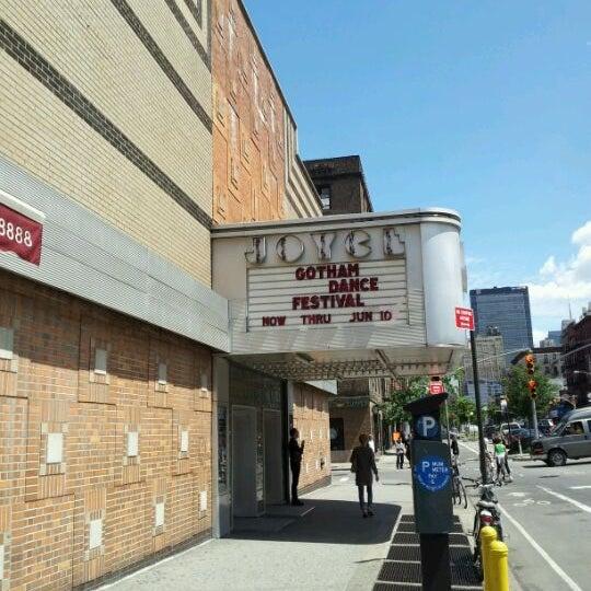Photo prise au The Joyce Theater par Andrew C. le6/6/2012