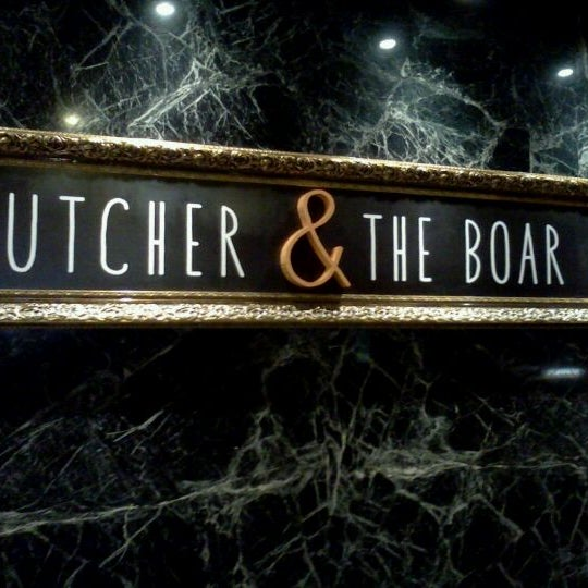 Foto tirada no(a) Butcher & the Boar por Mike F. em 3/3/2012