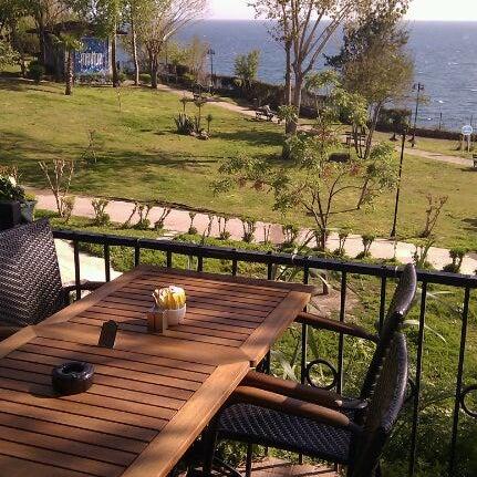 Photo prise au Tapas Cafe Bistro par Kostyantyn K. le4/16/2012