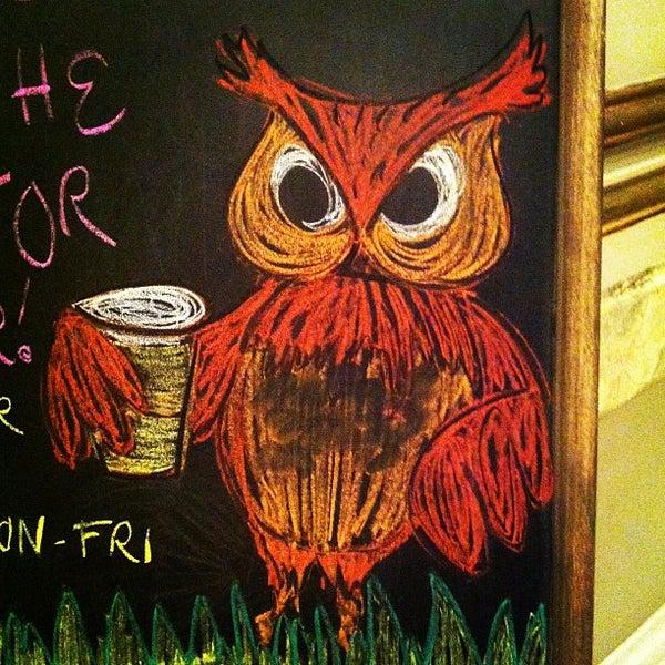 Снимок сделан в The Owl Bar пользователем Gavin S. 6/17/2012