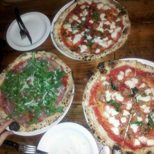 Photo prise au Pizzeria Libretto par Maria F. le3/7/2012