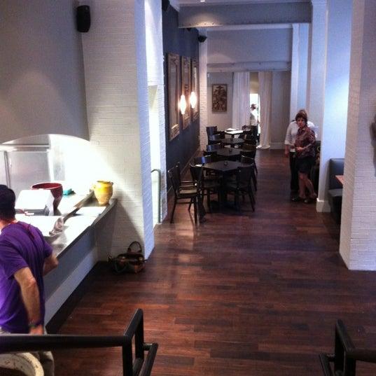 Foto scattata a Campagnolo Restaurant + Bar da Arianne F. il 3/22/2012