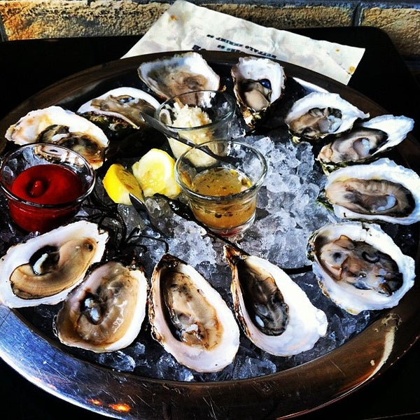 Photo prise au Henlopen City Oyster House par Brian S. le8/3/2012