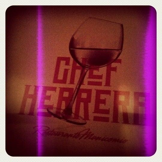 Foto diambil di Chef Herrera oleh Aarón S. pada 4/21/2012
