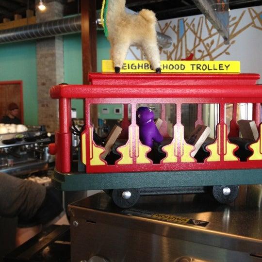 7/11/2012에 Roger M.님이 Peace Coffee Shop에서 찍은 사진
