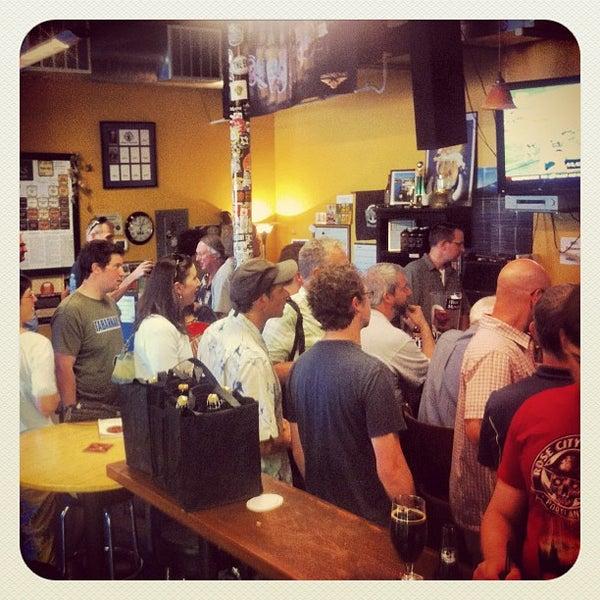 Photo prise au The BeerMongers par Trent le8/10/2012