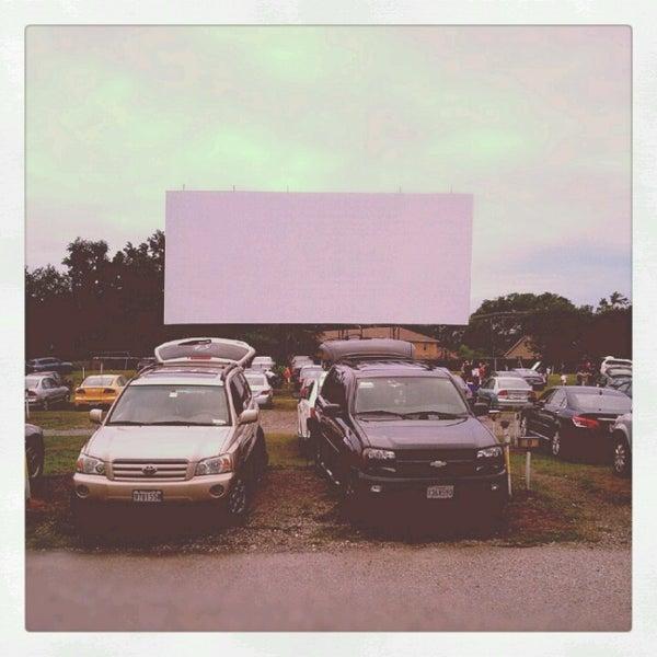 Снимок сделан в Bengies Drive-in Theatre пользователем Kelly M. 7/22/2012