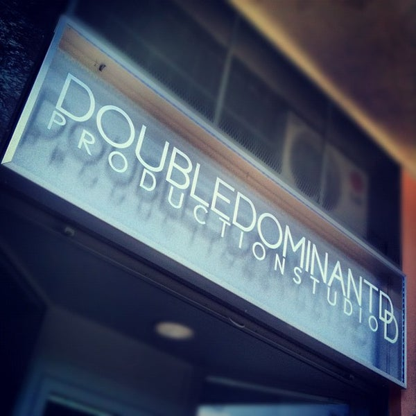 Foto tirada no(a) Double Dominant | Production Studio por Galileo T. em 7/11/2012