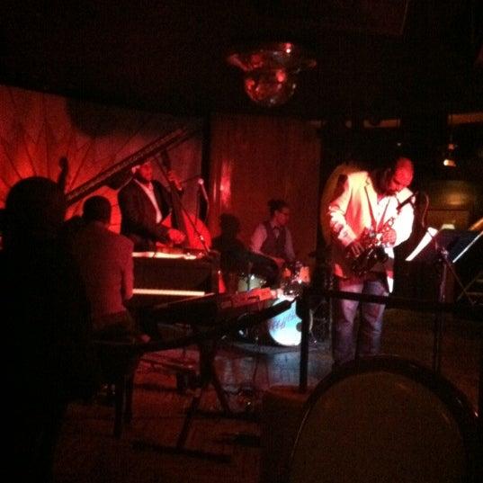 Photo prise au Cliff Bell's par Ashley R. le7/8/2012