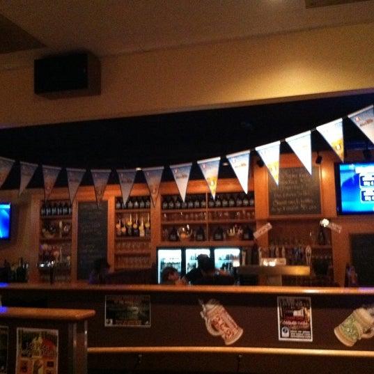 10/2/2011에 Tyler S.님이 Sharp Edge Beer Emporium에서 찍은 사진