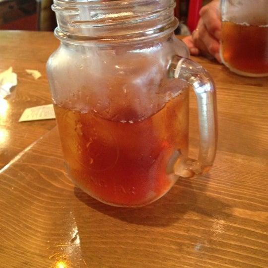 Photo prise au Butcher Bar par Nicolle D. le6/29/2012