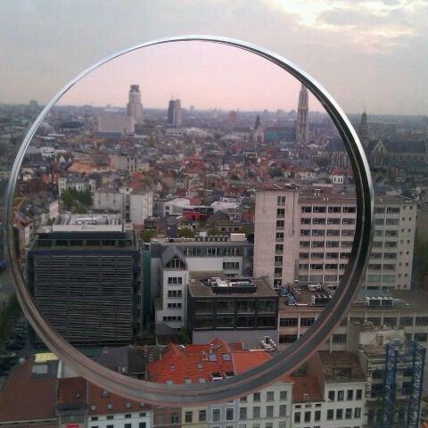 Foto tirada no(a) MAS | Museum aan de Stroom por Pieter P. em 10/29/2011