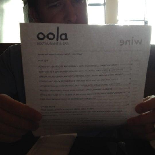 รูปภาพถ่ายที่ Oola Restaurant & Bar โดย Jon S. เมื่อ 5/24/2012