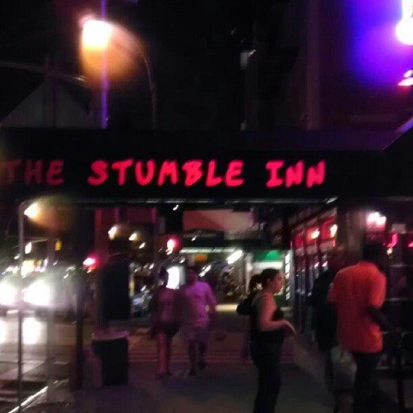 Das Foto wurde bei The Stumble Inn von Zoie H. am 9/1/2012 aufgenommen