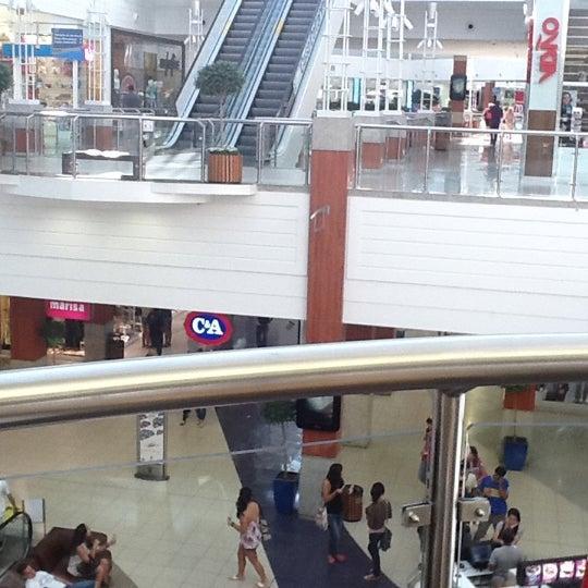 Снимок сделан в Floripa Shopping пользователем Mikita C. 3/5/2012