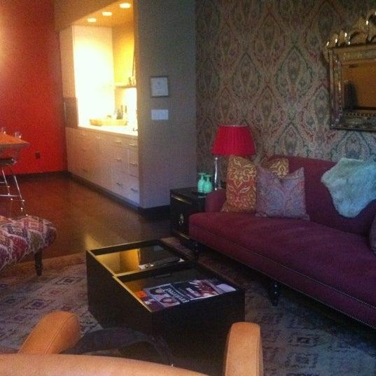 6/18/2012 tarihinde Melika M.ziyaretçi tarafından The Redbury'de çekilen fotoğraf