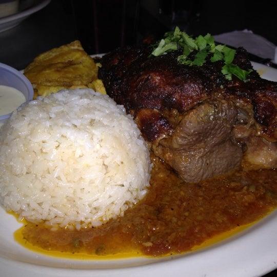 Foto tirada no(a) Cafecito por Chris D. em 11/13/2011