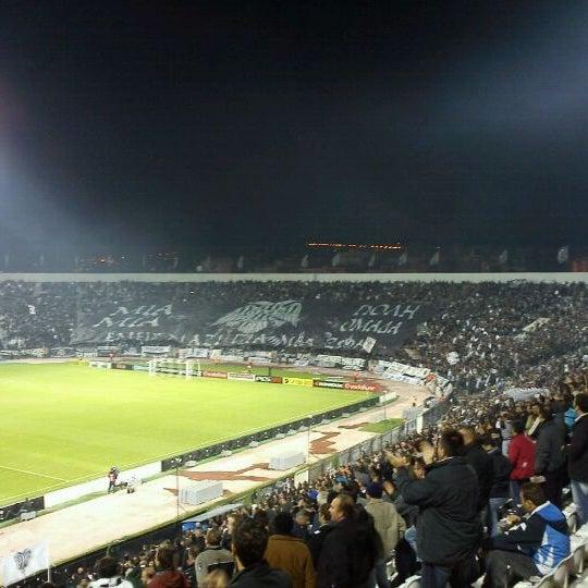 รูปภาพถ่ายที่ Toumba Stadium โดย Kyriakos K. เมื่อ 10/27/2011