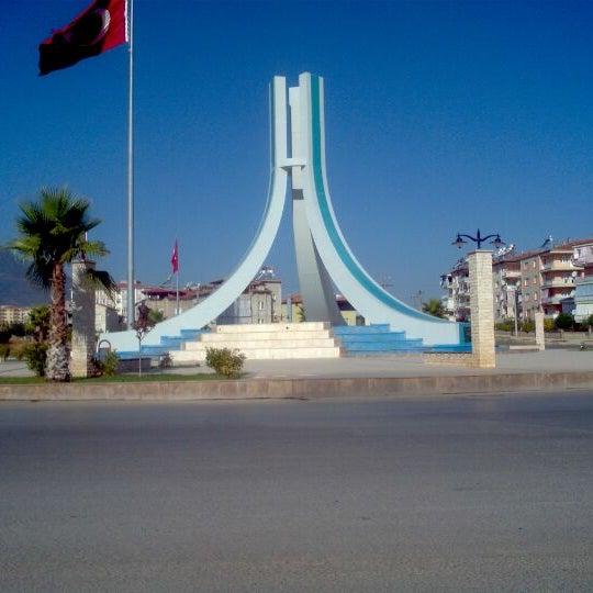 9/10/2011 tarihinde Ahmet B. U.ziyaretçi tarafından Albayrak Meydanı'de çekilen fotoğraf