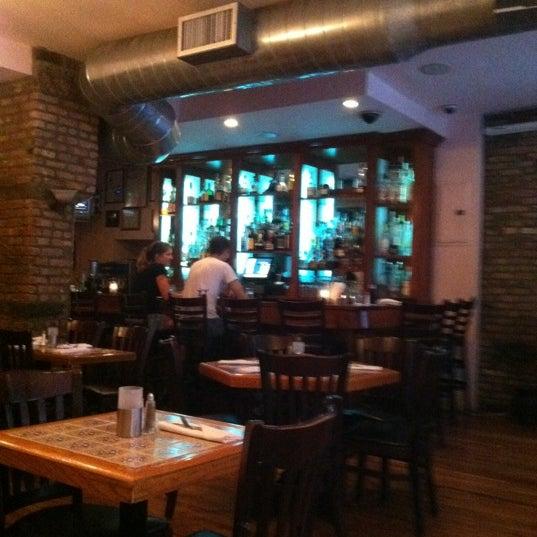 Снимок сделан в Tio Pepe Restaurant пользователем Elizabeth R. 7/26/2011