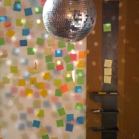 Foto diambil di The Corner Office Restaurant & Martini Bar oleh Andy1 P. pada 2/16/2011