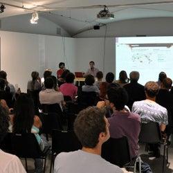Declining Democracy da giovedì 6 ottobre 2011 a 19 gennaio 2012: lecture, focus, proiezioni e artist talk....